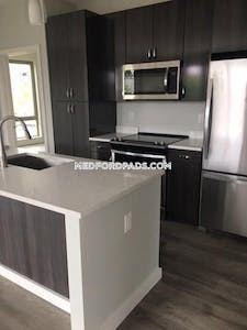 Medford WICKED AWESOME 1 BED 1 BATH UNIT-LUXURY BUILDING IN MEDFORD  Tufts - $2,650